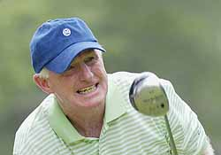 Vinny Giles competes at Bellerive Country Club, site of the 25th U. S. Senior Open, St. Louis, Missouri. 25th US Senior Open - First Round Bellerive Country Club St. Louis, Missouri United States July 29, 2004 Photo by Al Messerschmidt/WireImage.com To license this image (3145478), contact WireImage: +1 212-686-8900 (tel) +1 212-686-8901 (fax) info@wireimage.com (e-mail) www.wireimage.com (web site)